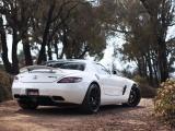 白色奔驰AMG SLS