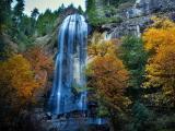 秋季银色瀑布