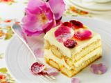 蛋糕上的玫瑰花瓣