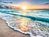 夕阳下的海浪