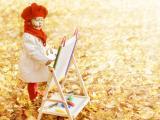 爱画画的小女孩
