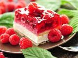 红色树莓蛋糕
