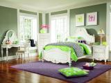 简约干净的卧室