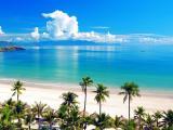 平静的蓝色大海
