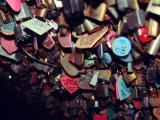 爱情街头的枷锁