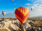 漫天的彩色热气球