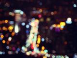 繁华城市闪烁着的霓虹
