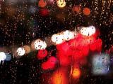 雨中的唯美霓虹