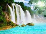 宏伟壮观的瀑布
