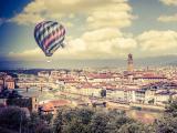 城市上空的热气球