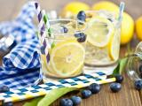 蓝莓柠檬水