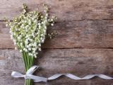 淡雅的铃兰花束